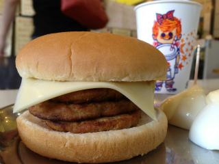 3-2ピープルカレーチーズ三段.jpg